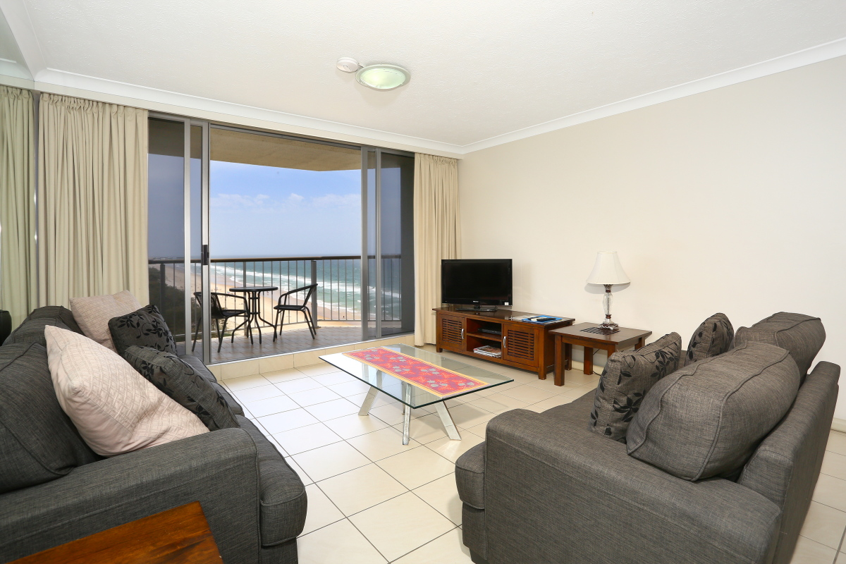 Golden Sands on the Beach lounge room
